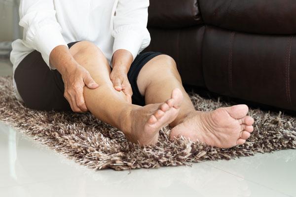 kŕče v nohách liečba